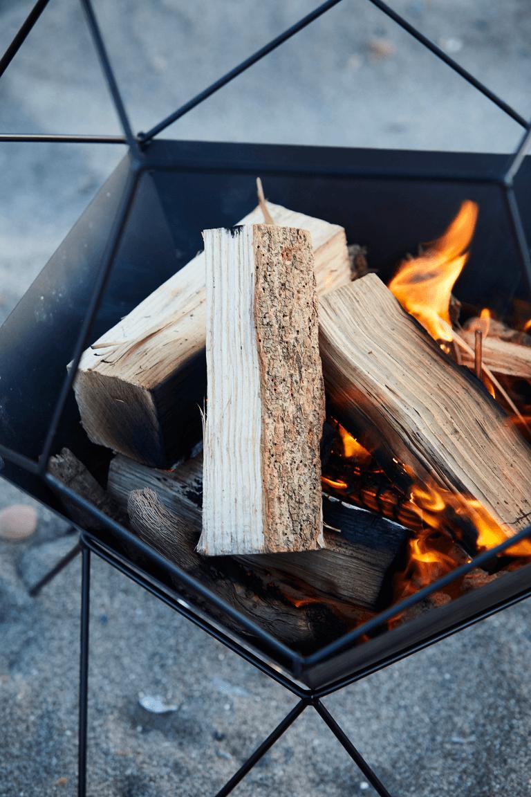 How does a Jura fire basket work?