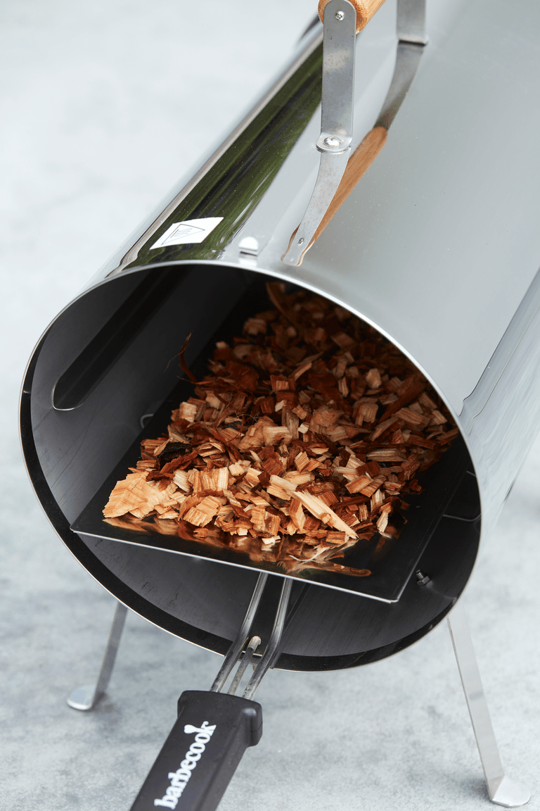 How does an Otto electric smoker work?