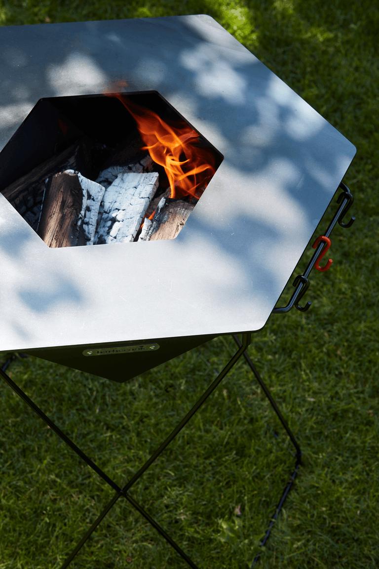 How does a Rila wood BBQ work?