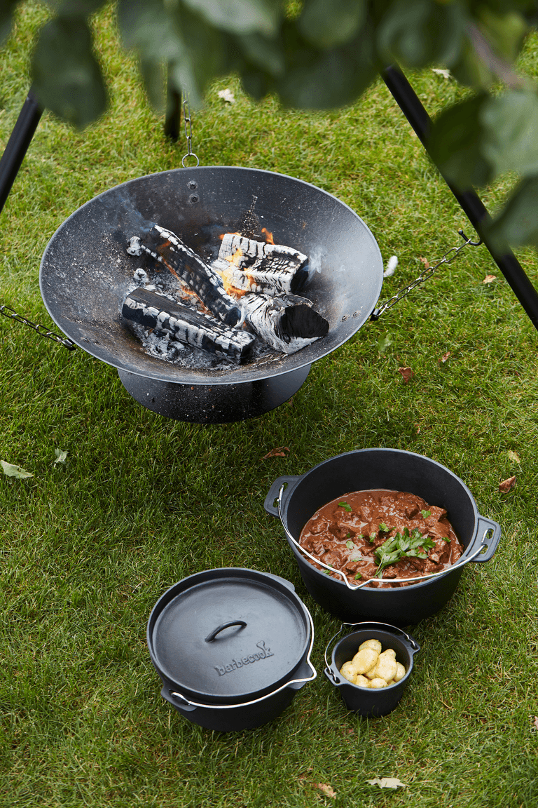 How does a Junko wood BBQ work?