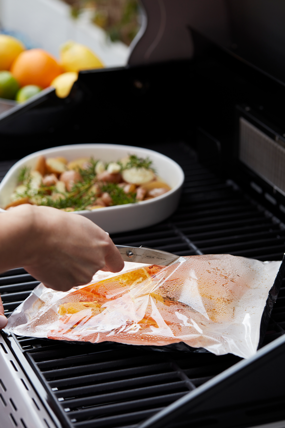 How does a Siesta 310 gas BBQ work?