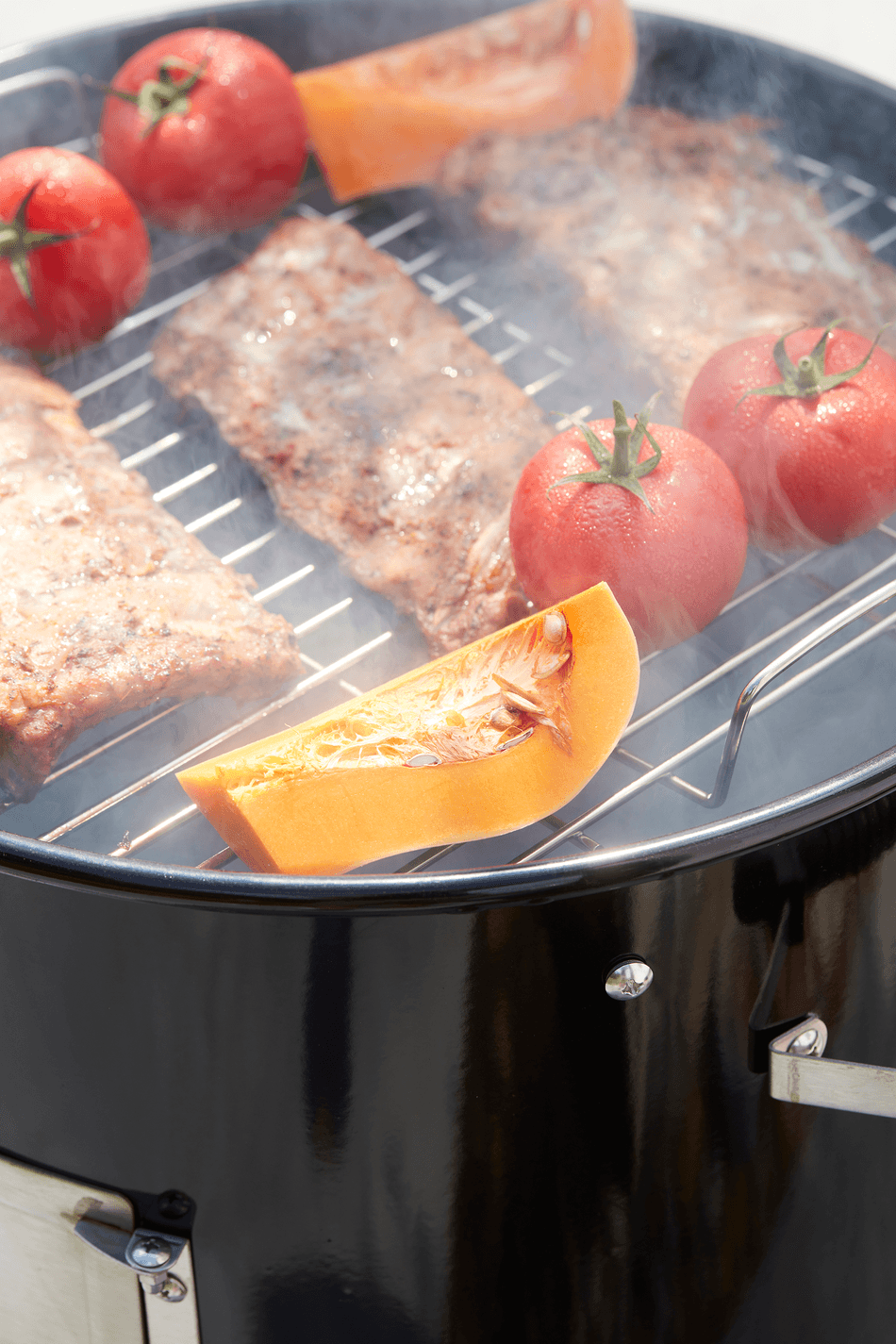 What are the advantages of an Oskar M smoker?